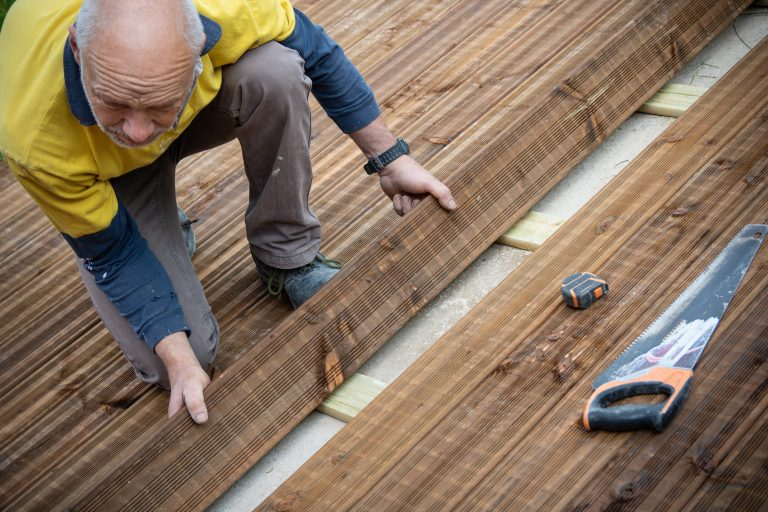 installer-terrasse-bois-suspendue
